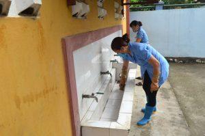 Nhà vệ sinh trường học cần được vệ sinh sạch sẽ